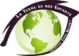 Le logo représente un oeil, à la place de l'iris un globe terrestre sur deux teinte de vert